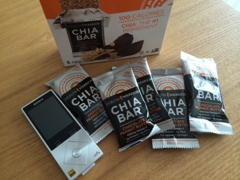 Health Warrior Inc. Chia Bar Chocolate Peanut Butter 25g 5個入りの大きさ比較写真