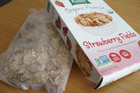 全粒粉で低糖!朝食向け Kashi Strawberry Fields Cereal