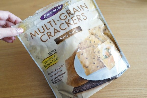 アイハーブグルテンフリーお菓子 小麦アレルギー対応Crunchmasterのクラッカー