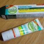 歯肉炎を防止するフッ素不使用・ラウリル硫酸ナトリウム不使用の歯磨き粉